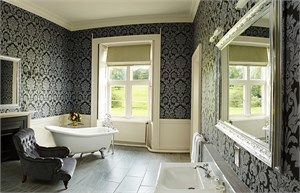 blairquhan castle queens bathroom 1